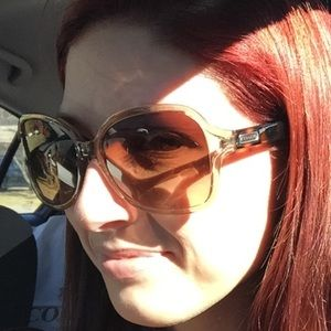 Authentic Coach two-tone sunnies!
